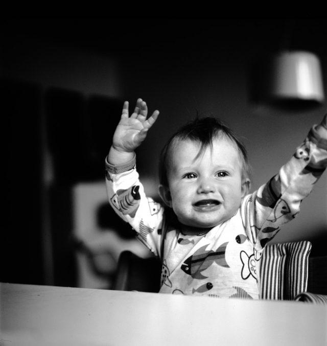 赤ちゃんのアレがない!?停留精巣だったらどうすればいい?原因や治療は?