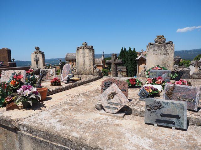 cemetery-1521754_960_720