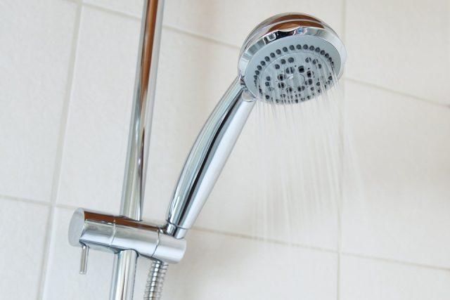冷水シャワーで冷え性解消!自律神経を刺激するアインチエイジング手順と注意点がコレ!
