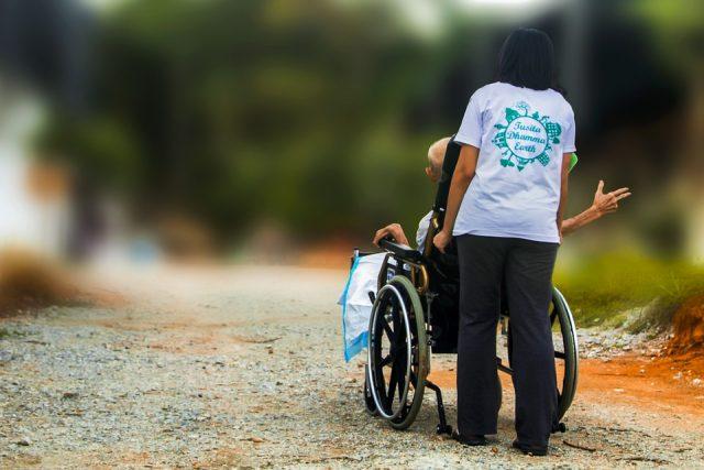 女性 介護 更年期 支援