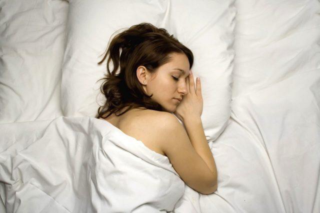 深夜 空腹 睡眠