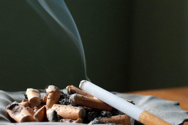 世界は禁煙ブーム!日本の受動喫煙は4割超!?危険な現状と海外の動向