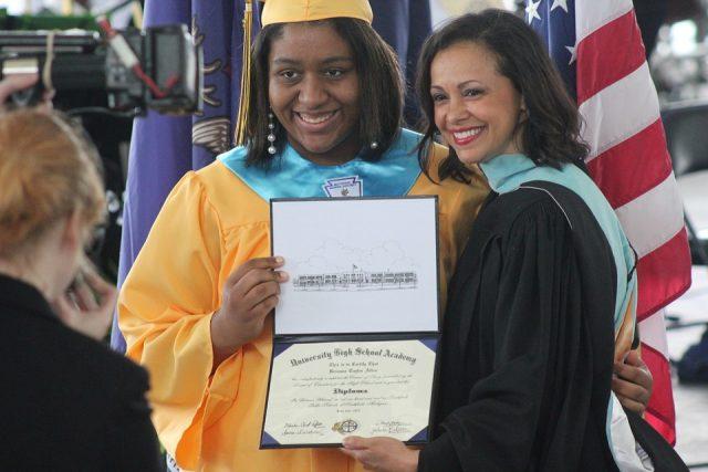 『卒業式 卒園式 親 服装 マナー』